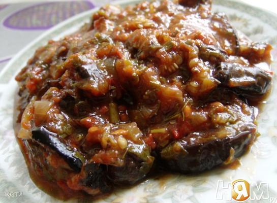 Баклажаны с томатом и специями