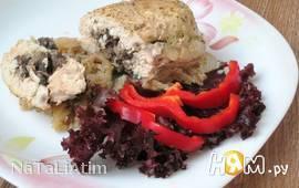 Куриное филе с грибами и капустой