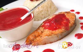 Сёмга с клюквенным соусом