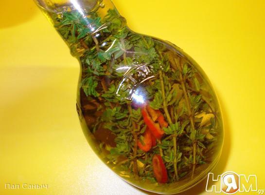 Оливковое масло с тимьяном и чили