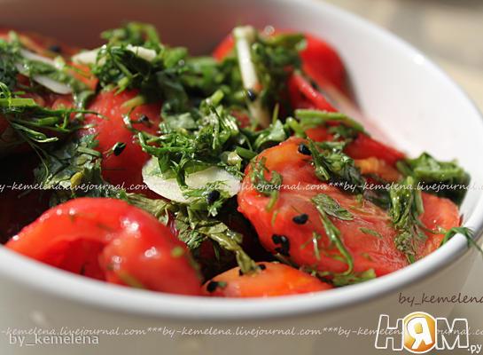 Быстрые соленые помидоры с медом