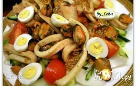 Салат из мидий с кальмарами