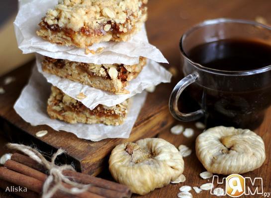 Крошковый пирог с инжиром.