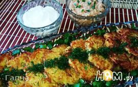 Картофельные оладьи с сазаньей икрой