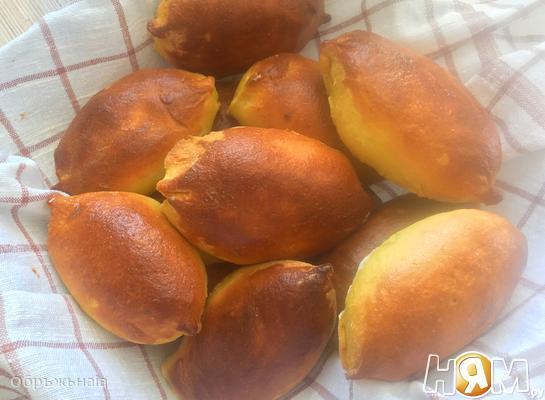 Солнечные пирожки с луком и яйцом
