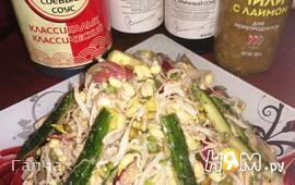 Азиатский салат с пророщенным машем