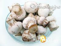 Приготовление маринованных шампиньонов на закуску: шаг 1