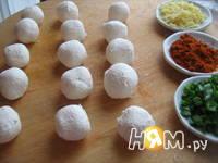 Приготовление салата с креветками и творогом: шаг 5