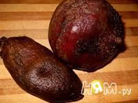 Приготовление салата из свеклы с черносливом и орехами: шаг 1