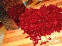 Приготовление салата из свеклы с черносливом и орехами: шаг 2