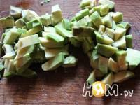 Приготовление салата с горбушей Морская свежесть: шаг 3