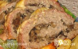 Мясной рулет с грибной начинкой