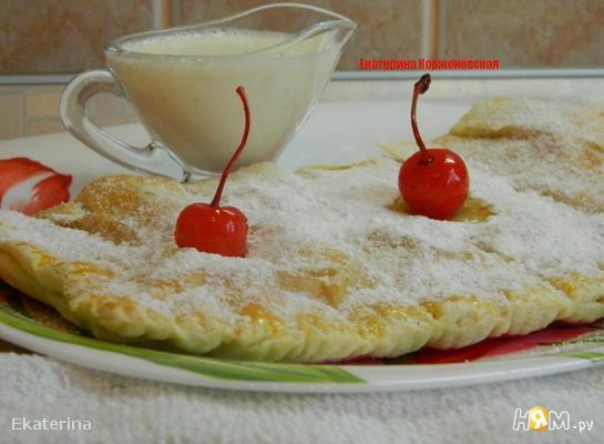 Рецепт Штрудель с вишней и ванильным соусом