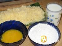 Приготовление сырных палочек во фритюре: шаг 1