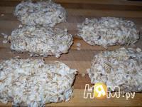 Приготовление сырников с шоколадом в  хлопьях: шаг 5