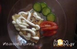 Яичница с хлебом и луком