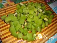 Приготовление шарлотки с киви: шаг 1