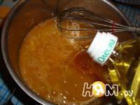Приготовление блинов на минералке: шаг 2