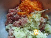 Приготовление блинов с мясом и морской капустой: шаг 2