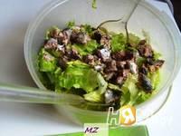 Приготовление салата нежного с сайрой: шаг 3