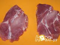 Приготовление свиных отбивных с пармезаном: шаг 1