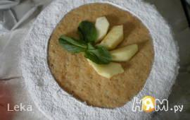 Яблочный торт с карамельным баварским муссом