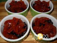 Приготовление ягодного крамбла с овсянкой и орехами: шаг 6
