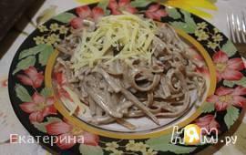 Спагетти с морепродуктами и грибами