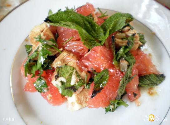Тайский салат с грейфрутом