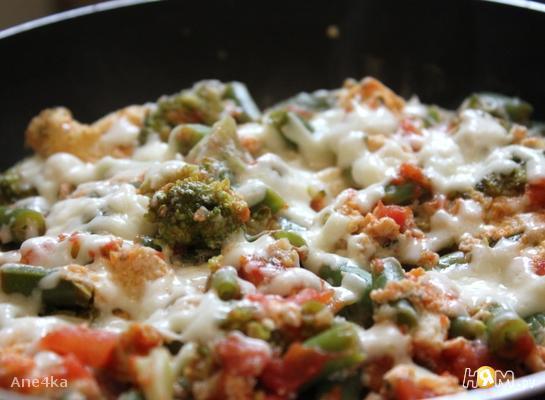 Белковый омлет с брокколи и фасолью