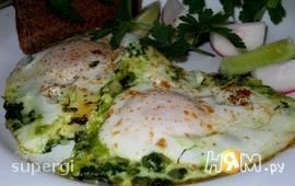 Весенняя яичница со шпинатом