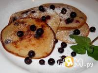 Приготовление овсяных оладий на йогурте с ягодами: шаг 7