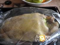 Приготовление утки с яблоками, запеченной в рукаве: шаг 3