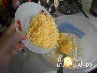 Приготовление сырных маффин: шаг 2