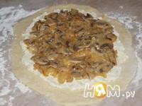 Приготовление картофельного рулета с грибами: шаг 7