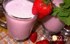 Клубнично- йогуртовый коктейль