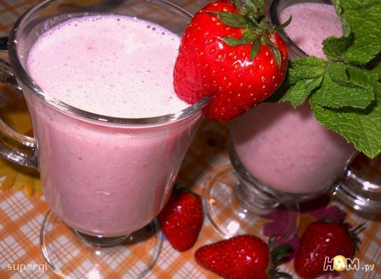Рецепт Клубнично- йогуртовый коктейль