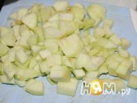 Приготовление яблочного пирога: шаг 7