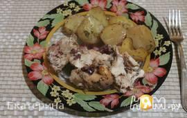 Курица с картошкой и клюквой