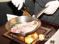 Приготовление морской рыбы фламбе с виски и грушей: шаг 8