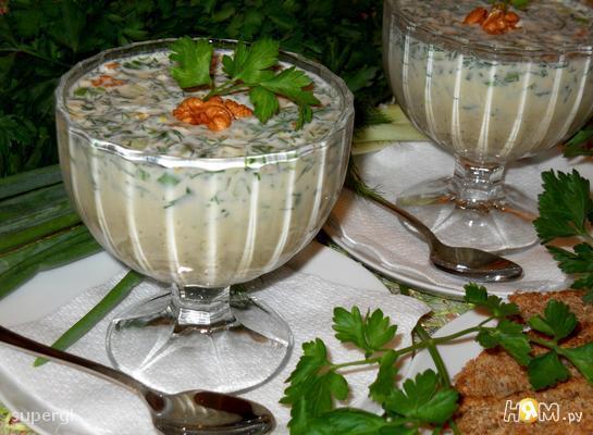 """Зеленый холодный суп на кефире """"Таратор"""""""
