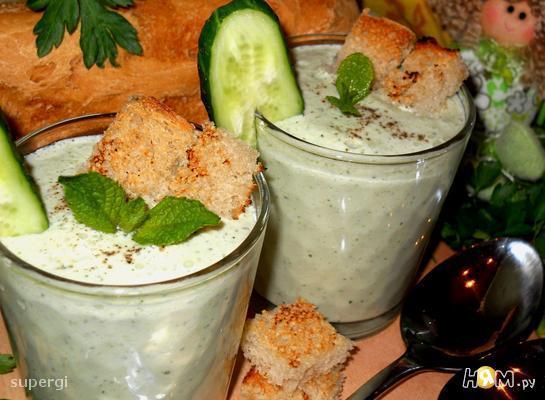Рецепт Холодный мятный суп-пюре с яблоком и огурцом