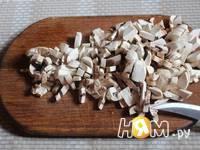 Приготовление салата из рукколы с грибами и томатами: шаг 1