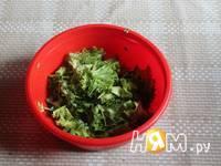 Приготовление салата из рукколы с грибами и томатами: шаг 2