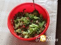 Приготовление салата из рукколы с грибами и томатами: шаг 4