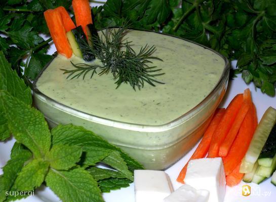Соус/ Закуска из феты с чесноком и зеленью