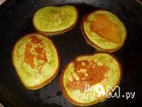 Приготовление шпинатных оладий с брынзой: шаг 8