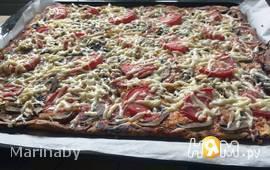 Пицца с шампиньонами и ветчиной