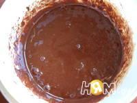 Приготовление шоколадного пирога с шариками: шаг 5