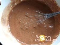 Приготовление шоколадного пирога с шариками: шаг 7